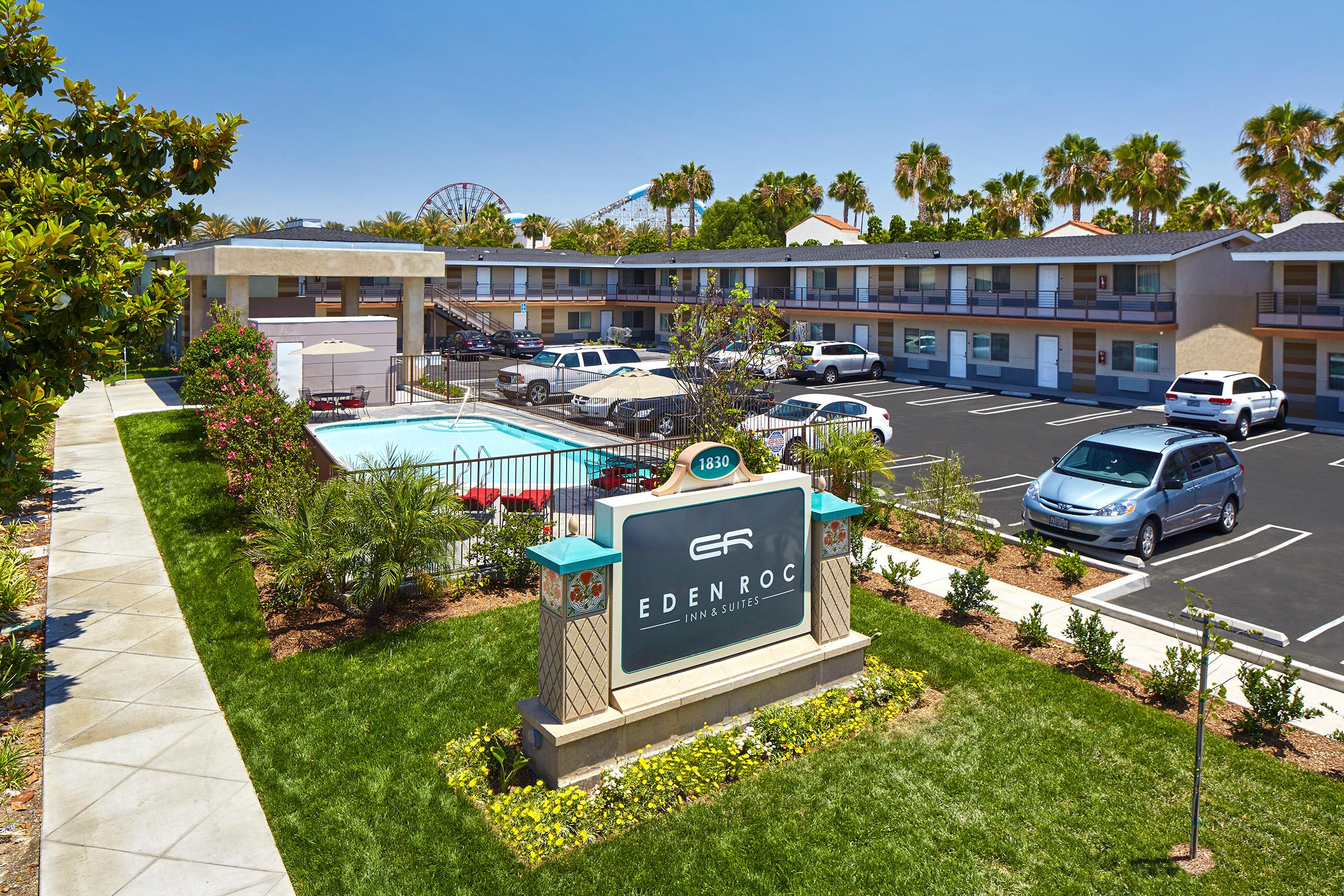 Eden Roc Inn & Suites